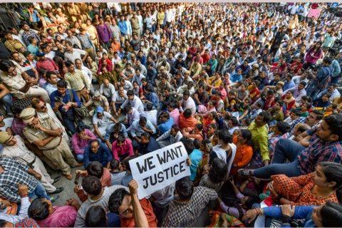 भारतमा नागरिकता कानुनको विरोध : दिल्लीमा मोबाइल र इन्टरनेट सेवा बन्द, प्रदर्शनमा रोक