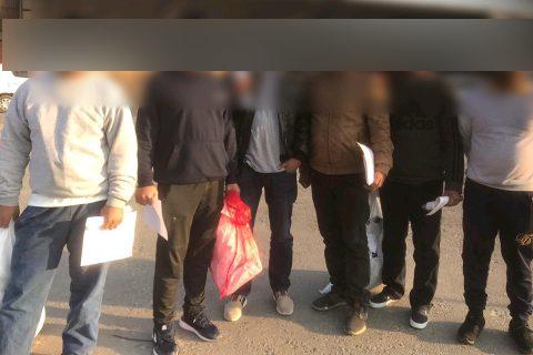 नेपाली युवाको अमेरिकी सपना : अबैधरुपमा अमेरिका छिरेका ५ युवालाई विमान 'चार्टर' गरी हत्कडी लगाएर नेपाल पठाईयो