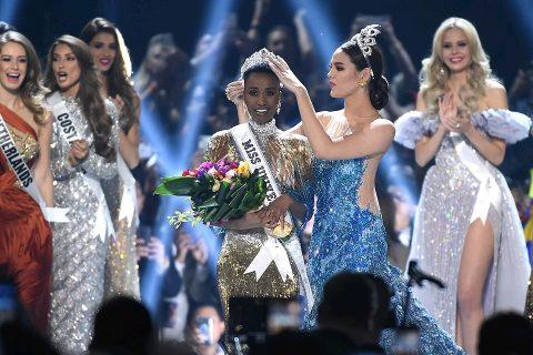 दक्षिण अफ्रिकी युवतीलाई पहिलो पटक विश्वसुन्दरीको उपाधी : जोजिविनी बनिन् मिस युनिर्भस