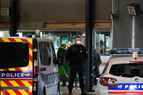 अबैध रुपमा इटली हुँदै फ्रान्स आएका ३ नेपालीमा कोरोनाको 'आशंका'