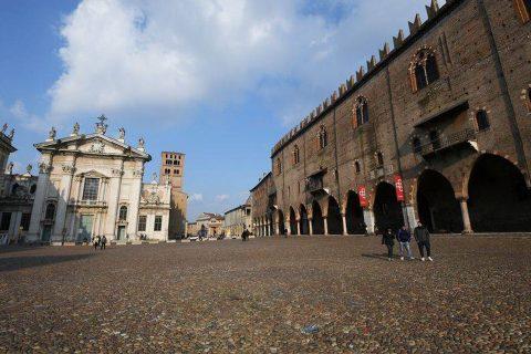 इटलीमा कोरोनाको डरलाग्दो कहर : झण्डै २५ हजार संक्रमित, १८ सय बढीको ज्यान गयो