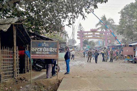 लकडाउनमा प्रहरीको आँखा छलेर भारतबाट नेपाल छिरेका १० जनामा कोरोना संक्रमण