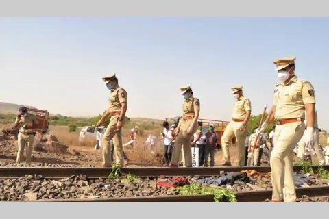 भारतमा लिगमा सुतिरहेका १६ मजदुरको रेलले किचेर मृत्यु, रोटी लिएर यात्रा गरेका थिए मजदुरले…