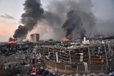 लेबनानमा विस्फोटक पदार्थले भरिएको गोदाममा विस्फोट, कम्तीमा ७८ जनाको मृत्यु (भिडियोसहित)
