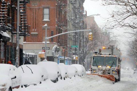 अमेरिकामा व्यापक हिमपात : २ दर्जनको मृत्यु, लाखौ घरमा विद्युत् सेवा बन्द